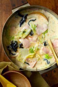 ハムと白菜のオイスタークリーム鍋