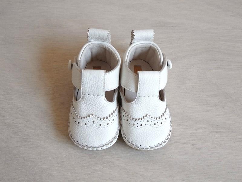 29モリサキ靴工房のベビーウィングチップシューズ_01