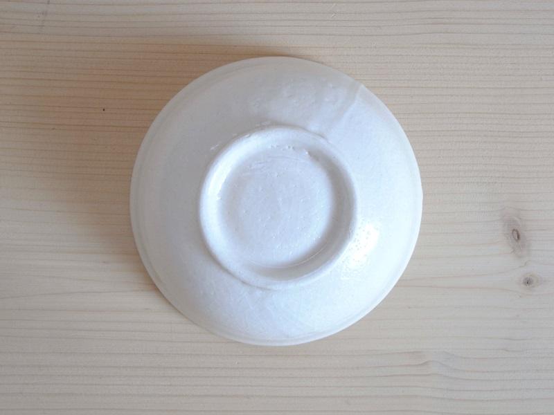 26須藤拓也さんの白釉こども碗_03
